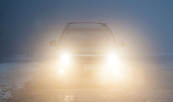 flashing-your-car-lights
